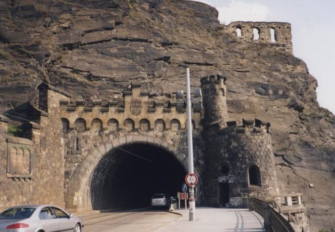 Traffic cave